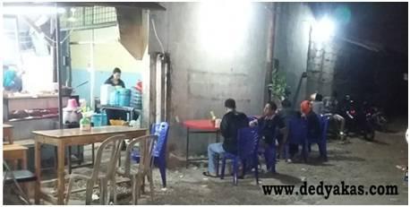 Nasi Uduk Betawi Asli Di Jalan Raden Saleh - Dedy Akas