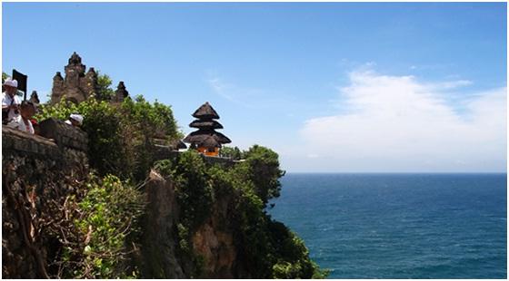 Pura Uluwatu atau Uluwatu Temple